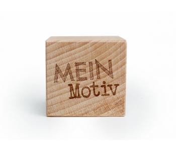 Holzwürfel mit persönlicher Gravur!